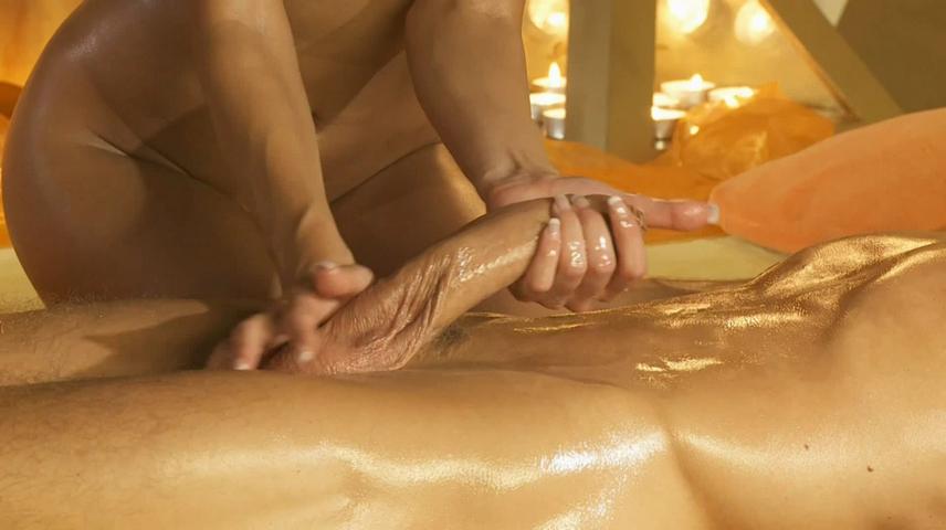 Золотого эротический массаж с применением секса